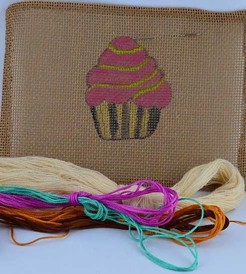 kit prêt broder cupcake