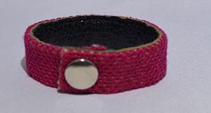 bracelet brodé point oeil de perdrix